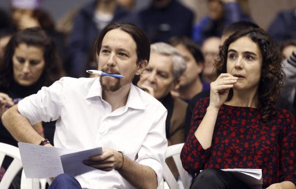 Iglesias, con la secretaria general de Podemos en Cataluña, Gemma Ubasart.