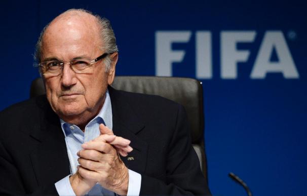 """Blatter considera que """"un gran club como el Barcelona debe ser un ejemplo en el mundo"""""""