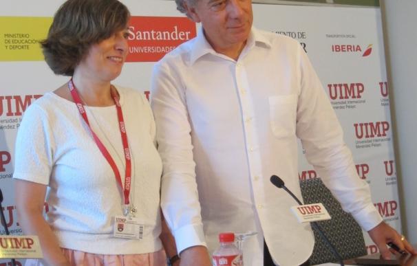 """Juan Carlos Mestre: La poesía """"es la restauración de la verdad sobre la inmoralidad de la propaganda política"""""""