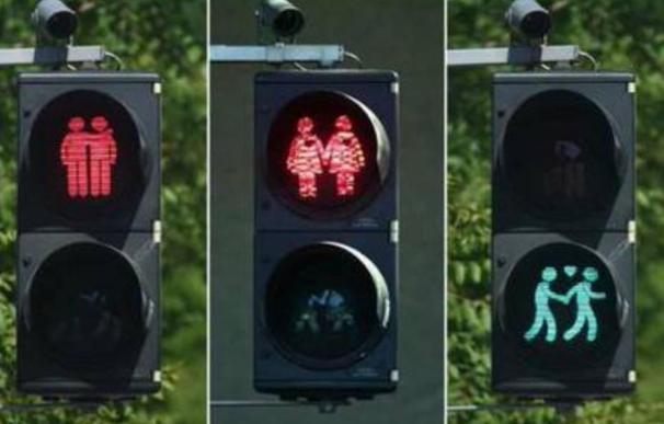 Instalan 'semáforos gay' en Viena