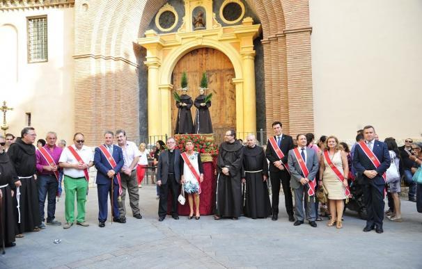 Los niños de Teruel participan en la procesión de los cagones
