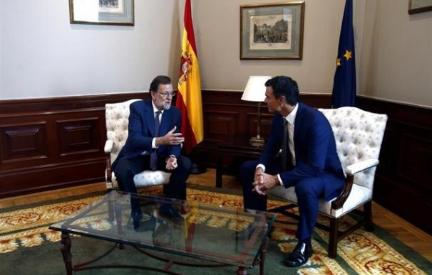 """Mariano Rajoy-Pedro Sánchez, un diálogo """"prescindible"""" y de apenas veinte minutos."""