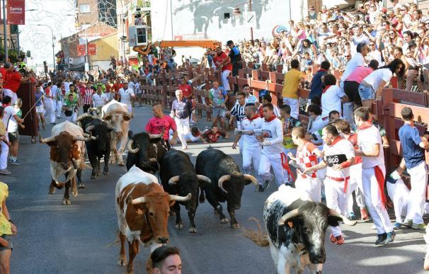 Un toro se cruza en la calle Real y provoca momentos de tensión en un encierro con seis heridos leves