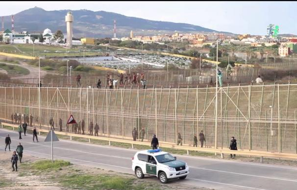 Los intentos de salto a las vallas de Ceuta y Melilla se incrementan un 350%