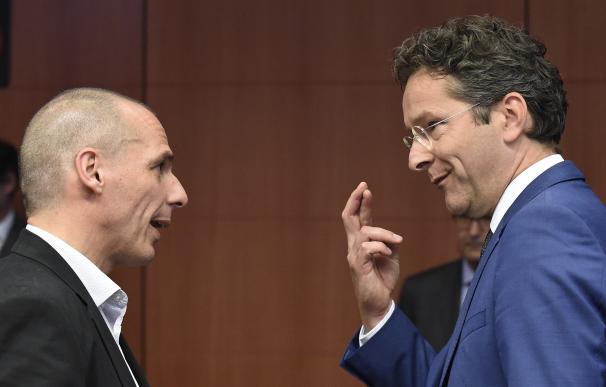 Yanis Varoufakis, ministro griego de Finanzas, y Jeroem Dijsselbloem, presidente del Eurogrupo