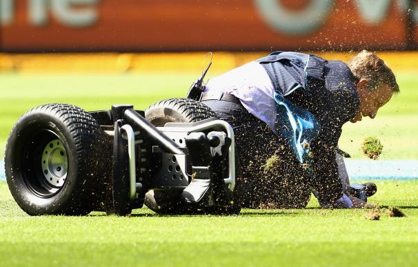 Ian Healy sufre una caída cuando pilotaba un Segway en el Melbourne Cricket Ground