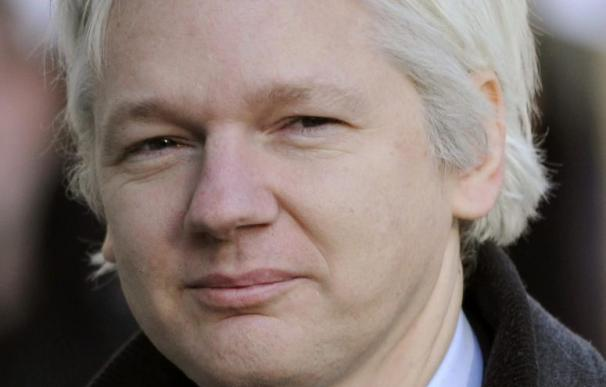 """Assange afirma que """"no he dicho que vaya abandonar pronto la Embajada de Ecuador"""""""