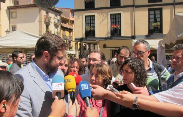 """Dirigente de Syriza pide que no se """"infunda"""" el miedo al corralito"""