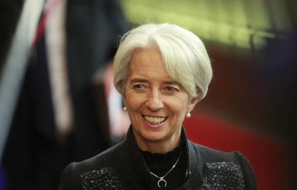 Lagarde cree que compra de deuda del BCE ayuda a combatir la baja inflación