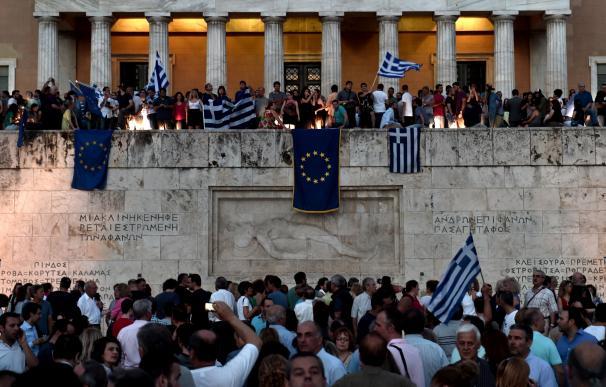 Manifestación proeuropea en Atenas, delante del parlamento