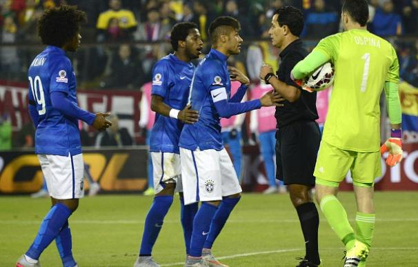 Neymar se enfrentó al colegiado