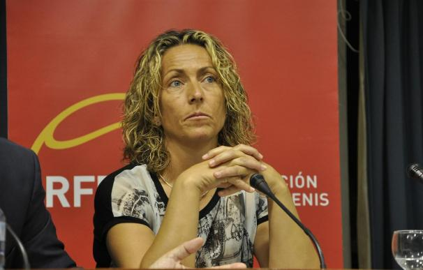 Gala León presenta la dimisión