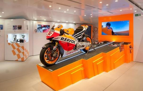 Puertollano acoge la exposición Repsol Racing Tour, que muestra la moto con la que Marc Márquez ganó su primer Mundial