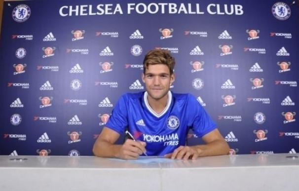 El Chelsea apuntala su defensa con el fichaje de Marcos Alonso
