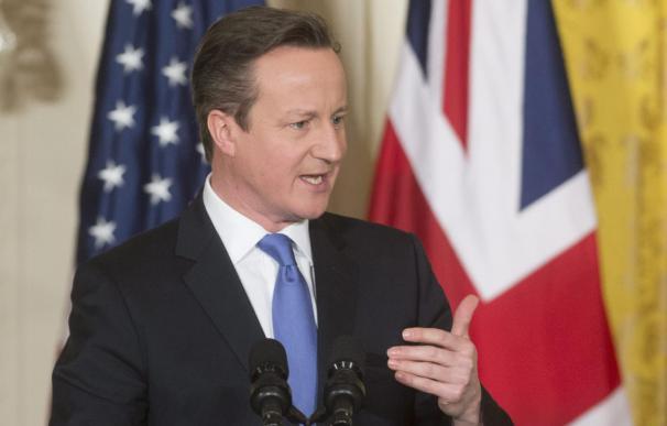 David Cameron rechaza las palabras del papa contra las ofensas a la religión