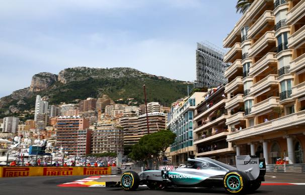 Hamilton logró su primera 'Pole' sobre el trazado monegasco.