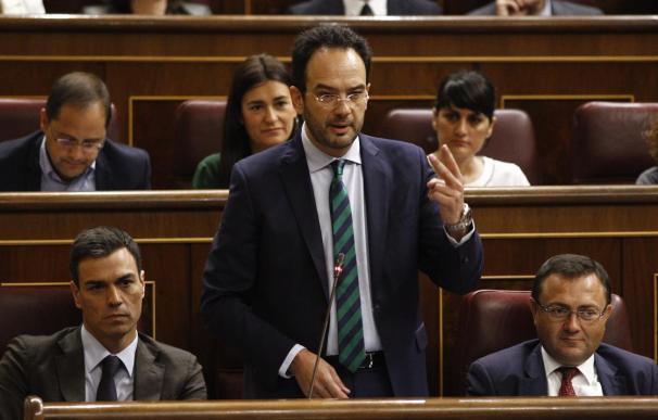 La dirección del PSOE rechaza valorar la propuesta de segunda vuelta de Díaz y alega que ya la estudiará