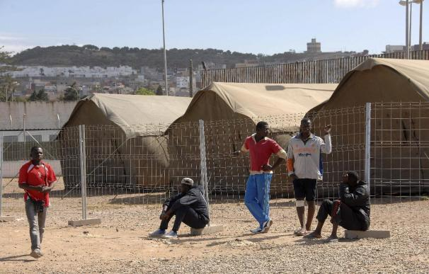 Cuatro heridos en una pelea entre inmigrantes sirios en el CETI de Melilla