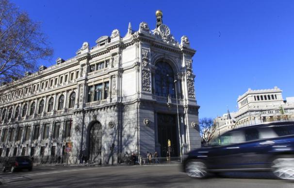 El Banco de España mantiene sus previsiones, pero alerta ahora de riesgos a la baja para el crecimiento