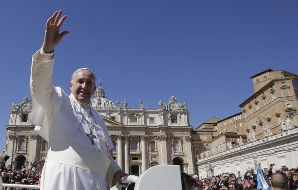 El Papa se reunirá hoy en privado con Raúl Castro