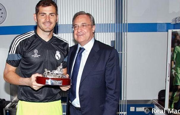 Casillas y Florentino. Foto de Realmadrid.com