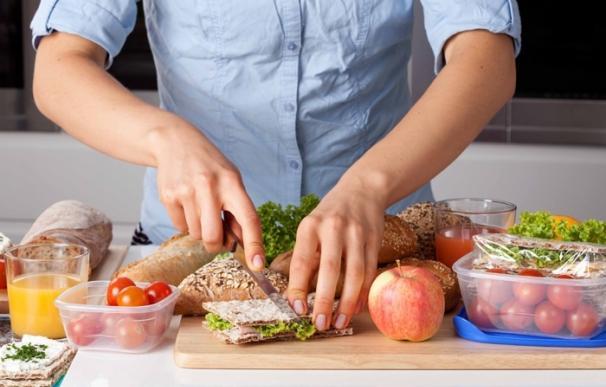 El 70% de los españoles no hace las cinco comidas diarias recomendadas y el 90% no realiza un desayuno completo