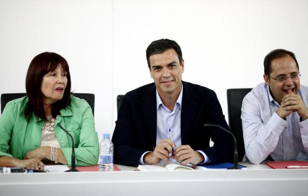 Sánchez abre ronda con sus 'barones' para hablar de pactos e iniciará contactos con Iglesias y Rivera