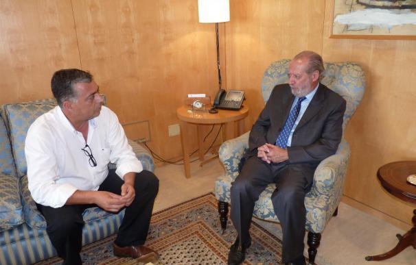 Villalobos y el alcalde de Coripe debaten sobre la actualidad del municipio