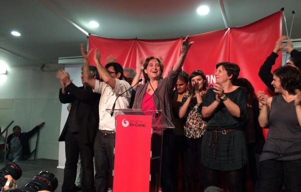 Colau (Bcomú) gana el pulso a Trias en Barcelona con 11 concejales