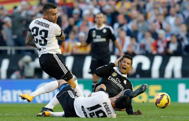 El central anotó un gol importante contra el Real Madrid.