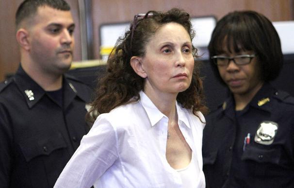 Una millonaria de Nueva York, condenada a 18 años por envenenar a su hijo autista foto: dailyreadlist.com