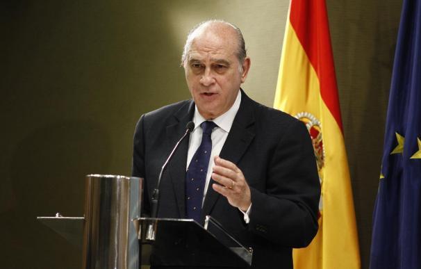 """Fernández Díaz dice que fue una """"operación política"""" acusar de chivatazo a la Policía Nacional"""