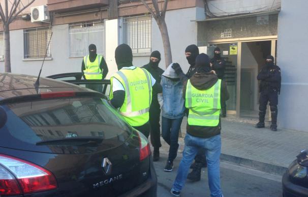 Detención de una familia en Badalona por querer convertirse al yihadismo