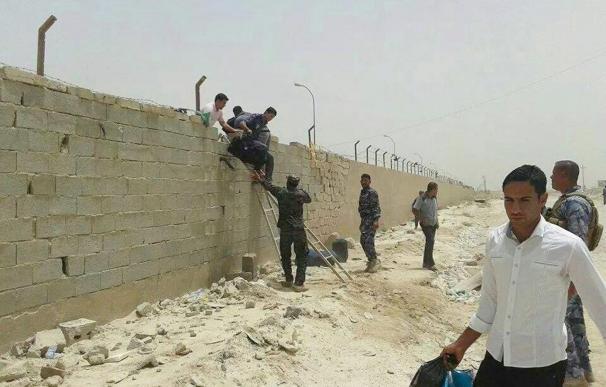 Yihadistas asaltan la Universidad de Ramadi y siguen combatiendo en Mosul