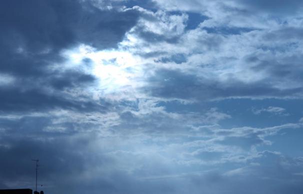 El fin de semana será inestable en el norte y el lunes en sureste peninsular y Baleares, sin cambios en las temperaturas