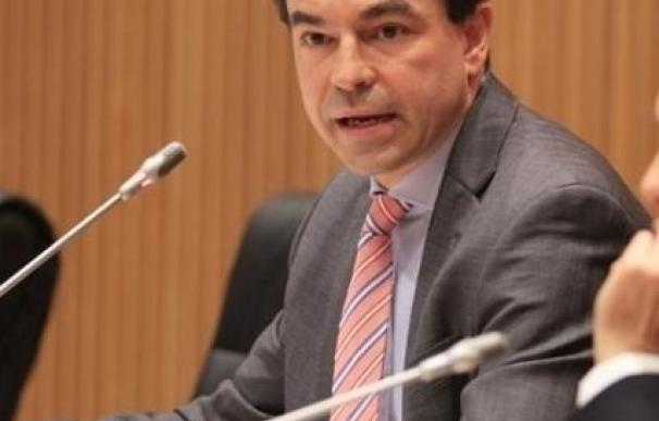 El juez Andreu pregunta a Anticorrupción si debe retirar el pasaporte a Rato y prohibirle salir de España