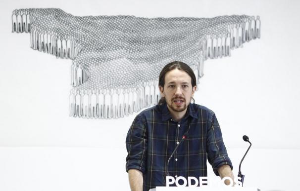 """Iglesias avisa a IU de que Podemos no será su """"balsa de salvamento"""" sino el """"paraguas referencia del cambio"""""""