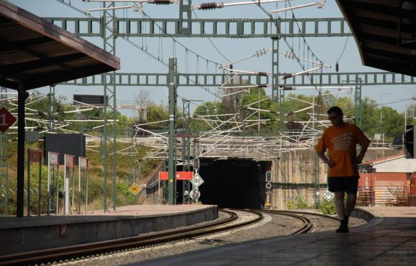 Una avería interrumpe la circulación de los trenes de Cercanías y Larga Distancia en Cataluña