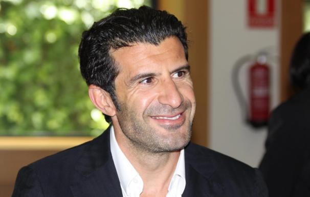 Luis Figo no cree que toda África vaya a dar su voto a Joseph Blatter