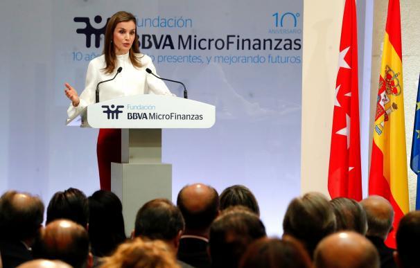 """La Reina sobre la Fundación Microfinanzas BBVA: """"Una mujer que recibe ayuda para su proyecto es invencible y resistente"""""""