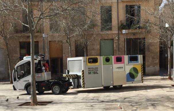 El Ayuntamiento pone en marcha el nuevo servicio de recogida selectiva móvil en Calatrava, Sindicato y Montesión