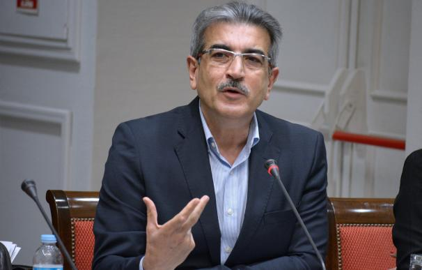 Rodríguez (NC) destaca el valor simbólico de firmar el acuerdo con el Gobierno en el Día de Canarias