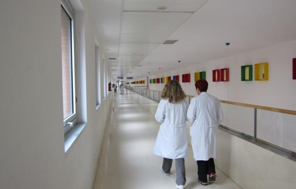 Aumentan un 2% los médicos colegiados en 2016 en Galicia y un 1,3% los enfermeros