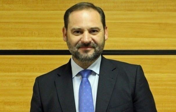 """El PSOE pide a Rajoy que """"siente"""" a partidos constitucionalistas para demostrar que hay un bloque contra el referéndum"""