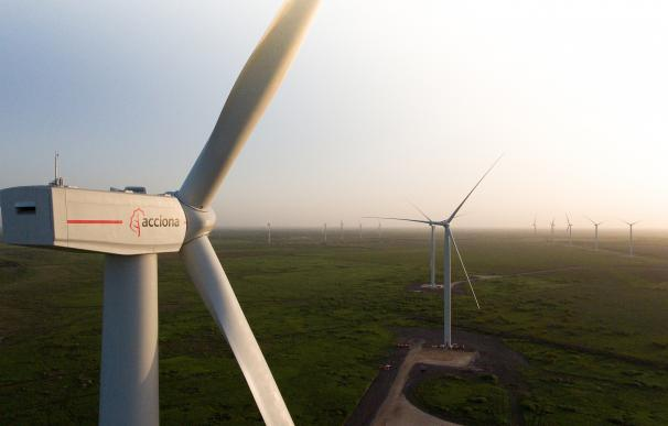 """Fidentiis ve """"muy positiva"""" para Acciona la decisión de no pujar en la subasta de renovables"""