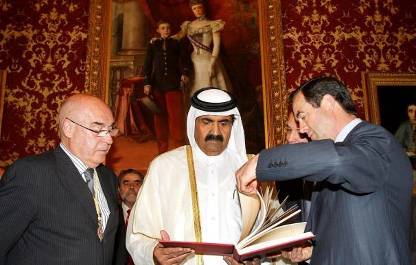 Rojo elogia ante el emir de Catar las reformas políticas en su país