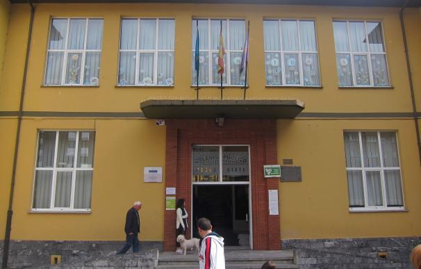 La participación en Asturias baja seis puntos a las 18.00 horas, hasta el 50,84%