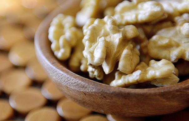 El consumo de nueces mejora la salud intestinal y podría estar asociado a la supresión de tumores de colon