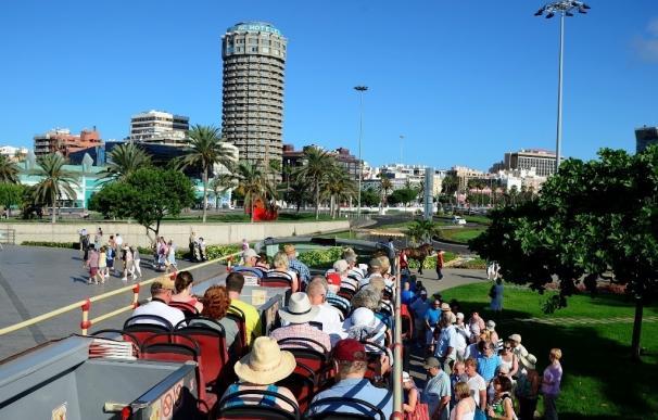 Canarias lidera la llegada de turistas internacionales hasta abril, con 4,9 millones, un 9,4% más