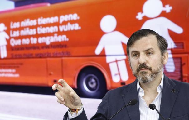 Podemos cree que HazteOír no trae su autobús a Palma por las posibles sanciones de la ley balear contra la LGTBIfobia